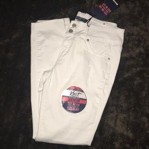 Denim - * Moving Sale * NWT Skinny jeans